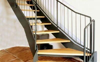 מדרגות עץ1
