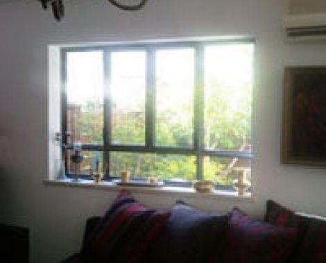 חלון פתיחה בלגי צירים